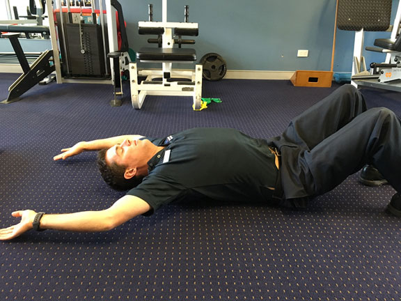 Thoracic wedge stretch 2