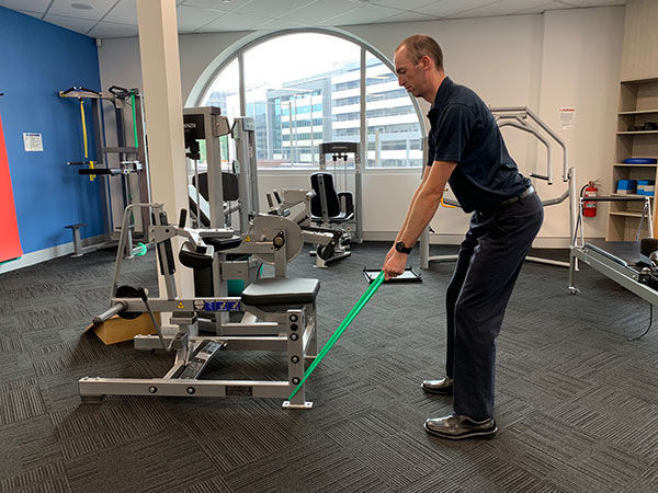 Golf swing exercise bent over row 1