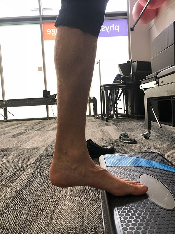 isometric exercise calf raise